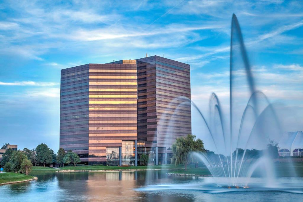 Brown & Joseph has signed the lease to a new office at One Piece Place in Itasca, IL.